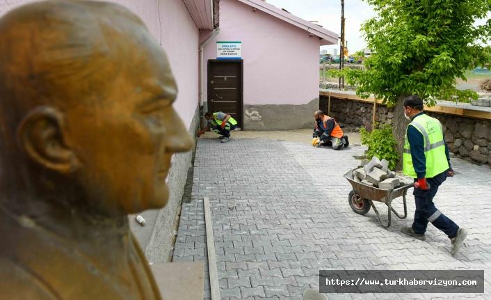 Ankara'da okullara ve üst geçitlere makyaj