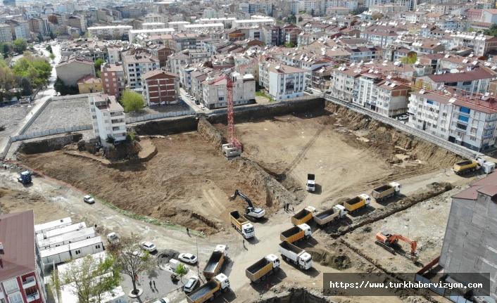 Depremde 2 bin 270 evin yıkıldığı mahallede ilk temel