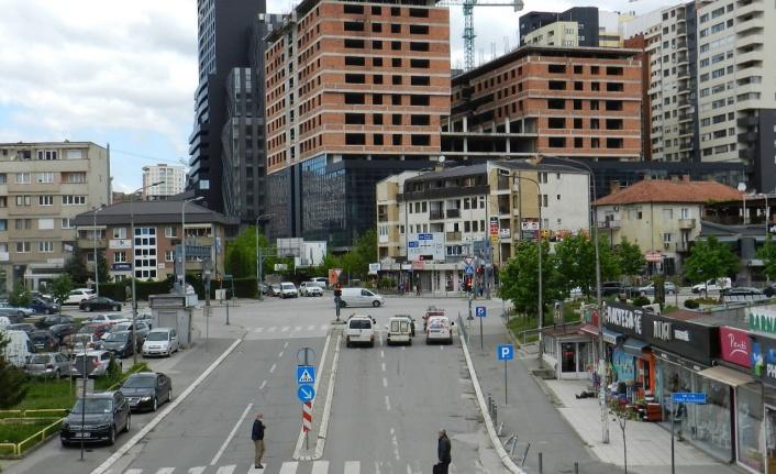 KOSOVA'DA NORMALLEŞME SÜRECİ BAŞLADI, İŞ YERLERİ YENİDEN AÇILDI