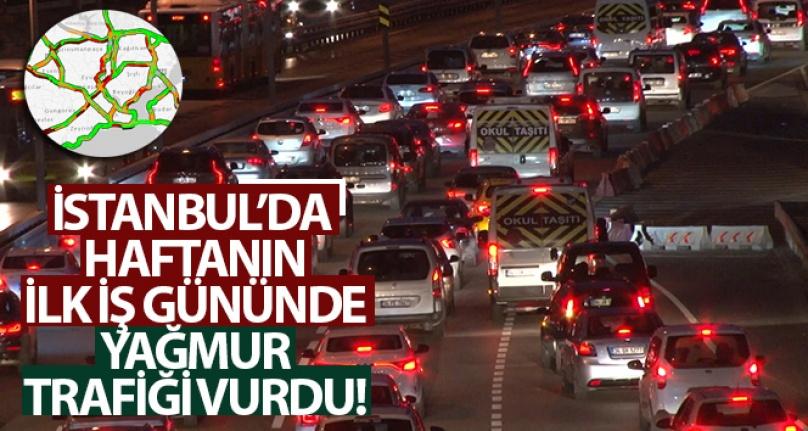 İSTANBUL'DA HAFTANIN İLK İŞ GÜNÜNDE YAĞMUR, TRAFİĞİ VURDU