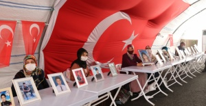 HDP BİNASI ÖNÜNDEKİ ANNELERİN ACI FERYATLARININ TAM 255'İNCİ GÜNÜ