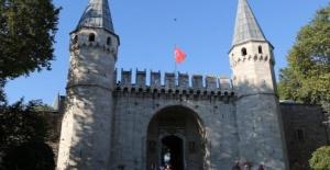 İSTANBUL VALİLİĞİ İSTANBUL'UN FETHİNİN 567. YILINI TOPKAPI SARAYI'NDA KUTLADI