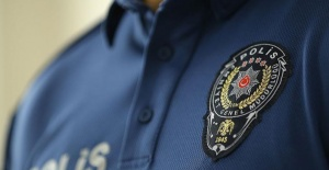SAMSUN'DA 'MASKE TAKIN' DİYE UYARAN POLİSE BIÇAKLI SALDIRI
